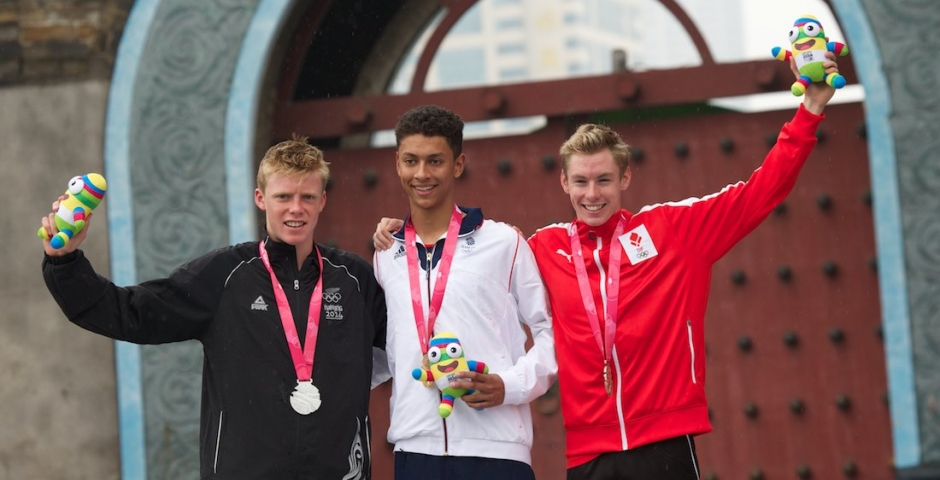 Great Britain's Ben Dijkstra claims Youth Olympic gold in Nanjing 2014 photo finish