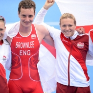 England wins gold as Mixed Relay debuts at Commonwealth Games