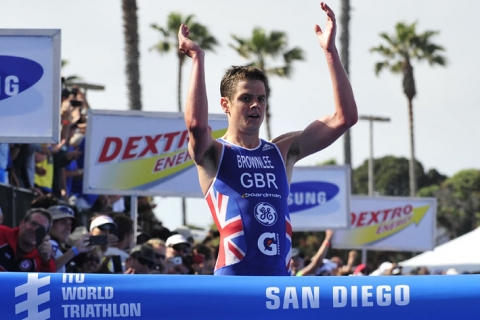 Jonathan Brownlee starts 2012 season with dominating win in San Diego