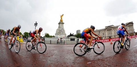 ITU opens bid process for 2014 World Triathlon Series