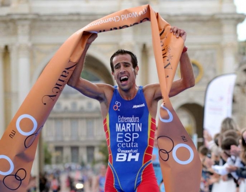 Emilio Martin Bolts to First Duathlon World Championship Title