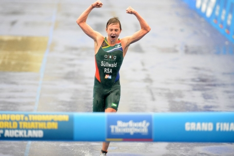 Wian Sullwald runs away to 2012 ITU Junior Men&#8217;s World Championship