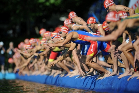 Watch the 2012 ITU World Triathlon Series promo video
