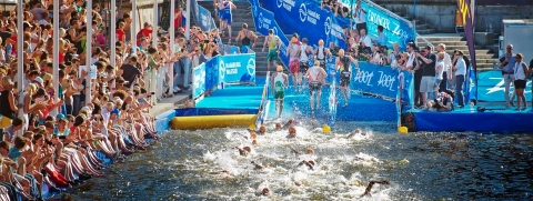 Register to race in the 2014 WTS season