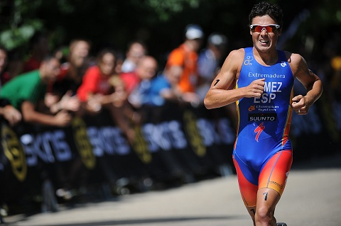 Gomez heads to favourite triathlon destination